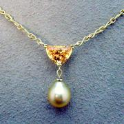 Handmade 18kt yellow gold Hessonite Garnet & Golden South sea pearl necklace